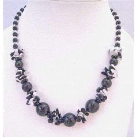 Inexpensive Pearls Black White Nugget Chips Clear Glass Beads Necklace