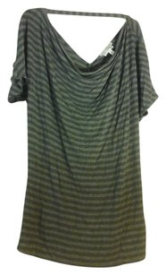A Pea In The Pod draped neck striped short sleeve detail back top.