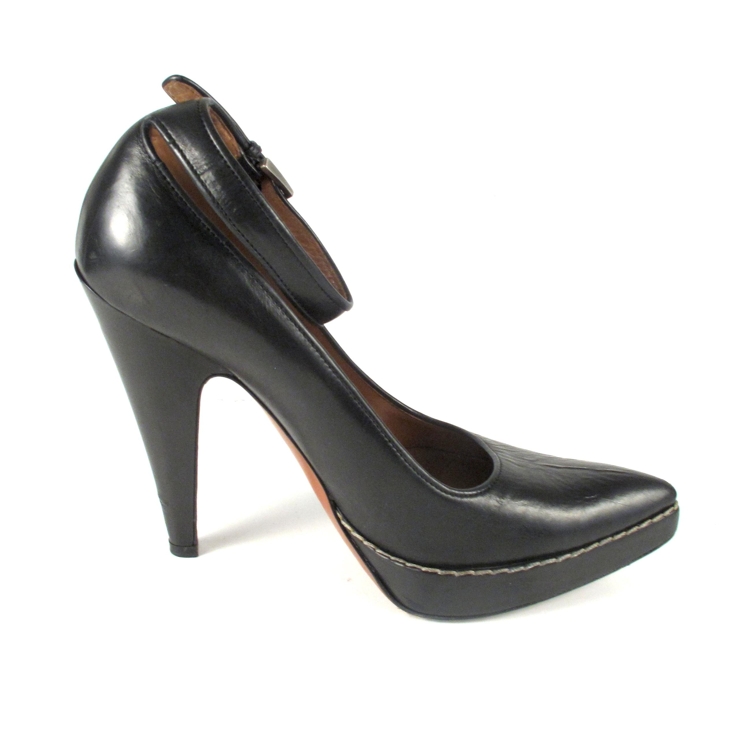 classic online cheap sale 2015 Alaïa Leather Point-Toe Pumps cheap sale for cheap geniue stockist for sale clearance supply I7On4WAG