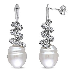 Amour Sterling Silver 1.24 Ct Cubic Zirconia 10-11mm South Sea Pearl Swirled Earring