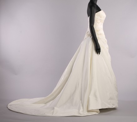 Andaluzia Couture Ivory Wedding Dress Size 14 (L)