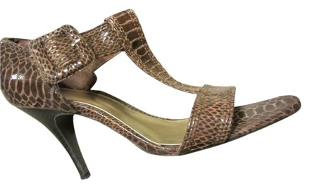 Preload https://item4.tradesy.com/images/ann-marino-brown-snake-print-on-leather-super-sexy-be-an-icon-of-fashion-pumps-size-us-9-regular-m-b-1718018-0-1.jpg?width=440&height=440