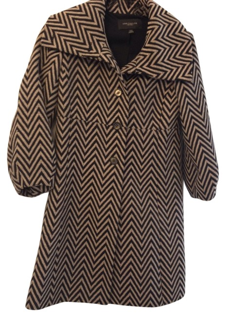 Preload https://item4.tradesy.com/images/ann-taylor-black-and-beige-zig-zag-afternoon-topper-size-00-xxs-1761938-0-2.jpg?width=400&height=650