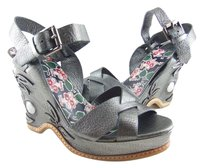 Anna Sui 75% Off Retail Made In Italy Grey Sandal Wedges