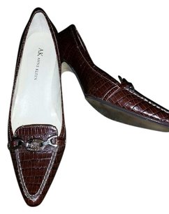 Anne Klein Maroon Pumps