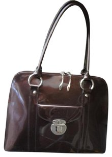 Beijo Very Clean Very Pretty Fast Shipping Priced To Sell Tote in COPPERY BROWN