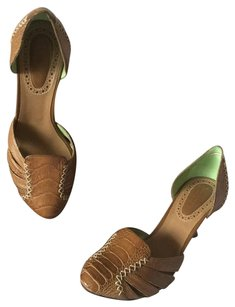Bottega Veneta Leather Mocca Pumps