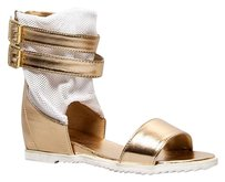 Breckelle's Gold Sandals