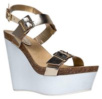Breckelle's Gold Wedges