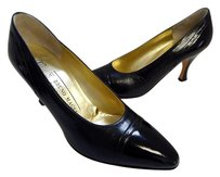 Bruno Magli B Vintage On Leather Italy Black Pumps
