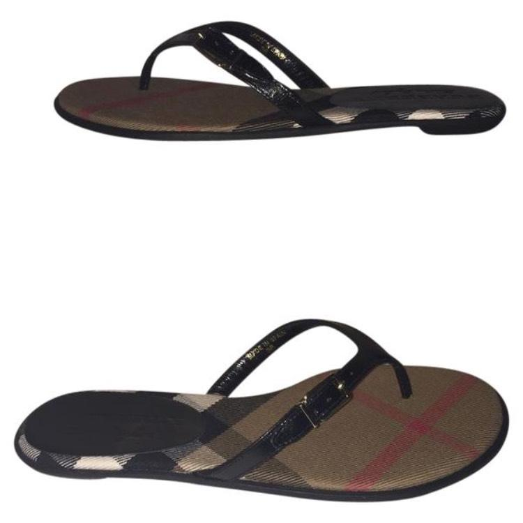 burberry watch outlet qh0e  Burberry Burberry Print Sandals