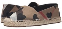 Burberry Espadrille New In Box Fashion Iconic Burberry Tartan with Black Hearts Flats