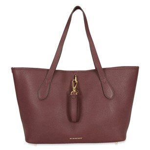 Burberry Women's Tote in Mahogany Red