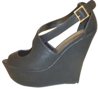 Candie's Nwt Wedge Black Platforms