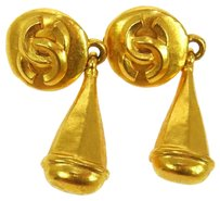 Chanel Authentic CHANEL Vintage CC Logos Earrings Gold-Tone Clip-On 96P France LP09671