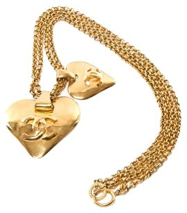 Chanel AUTHENTIC CHANEL VINTAGE CC LOGOS GOLD CHAIN HEART MOTIF NECKLACE FRANCE