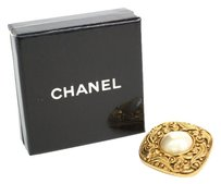 Chanel CHANEL Broach Artificial pearl/Metal