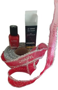 Chanel CHANEL LE VERNIS NAIL 671 Ecorce Sanguine AND RIBBON!