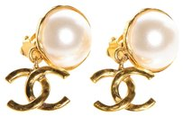 Chanel CHANEL Vintage Pearl CC Dangle Clip On Earrings
