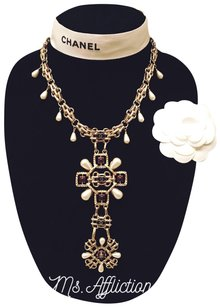 Chanel Imitation Pearl and Stone Byzantine