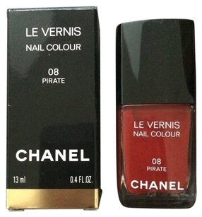 Chanel New red pirate nail vernis