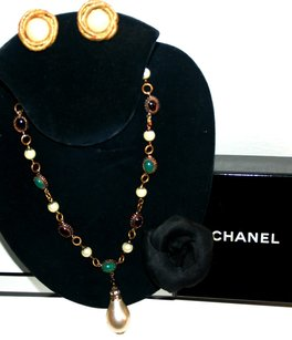 Chanel VINTAGE CHANEL GRIPOIX Pearl, Ruby Red & Emerald Green Crystal NECKLACE /Pearl Drop CC Logo Choker