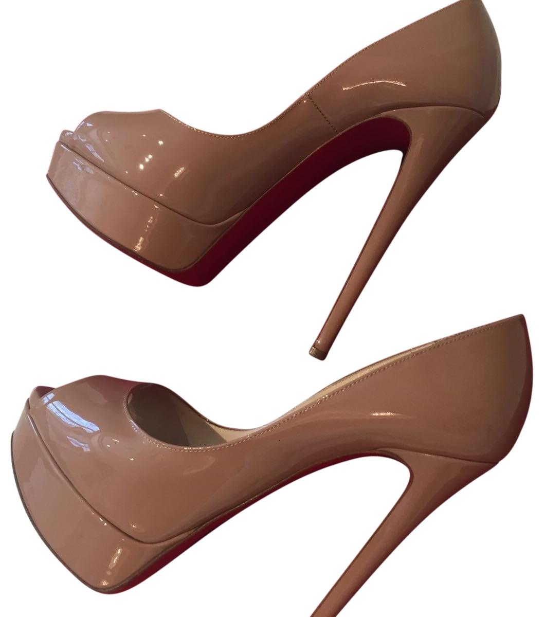 Christian Louboutin Nude Patent Pumps Size EU 37.5 (Approx. US 7.5) Regular (M, B)