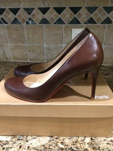 Christian Louboutin Round Toe Leather Padded brown Pumps