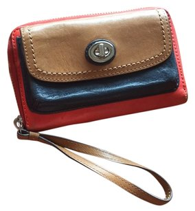 Coach Coach Full Zipper Wallet