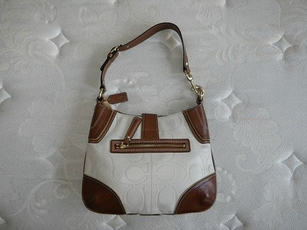 Coach Louis Vuitton Dooney Bourke Gucci Vintage Hobo Bag