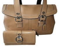 Coach Louis Vuitton Dooney Bourke Satchel in Natural Camel Tan