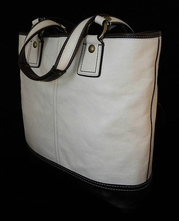 Coach Louis Vuitton Dooney Bourke Gucci Channel Rare Tote in Ivory