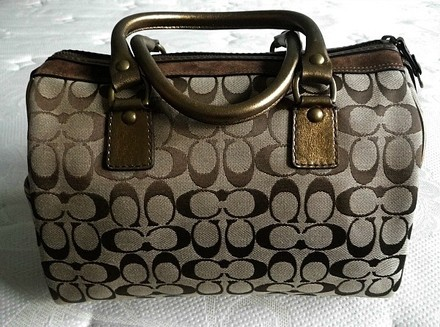 Coach Dooney Bourke Gucci Chanel Louis Vuitton Vintage Satchel in Beiges