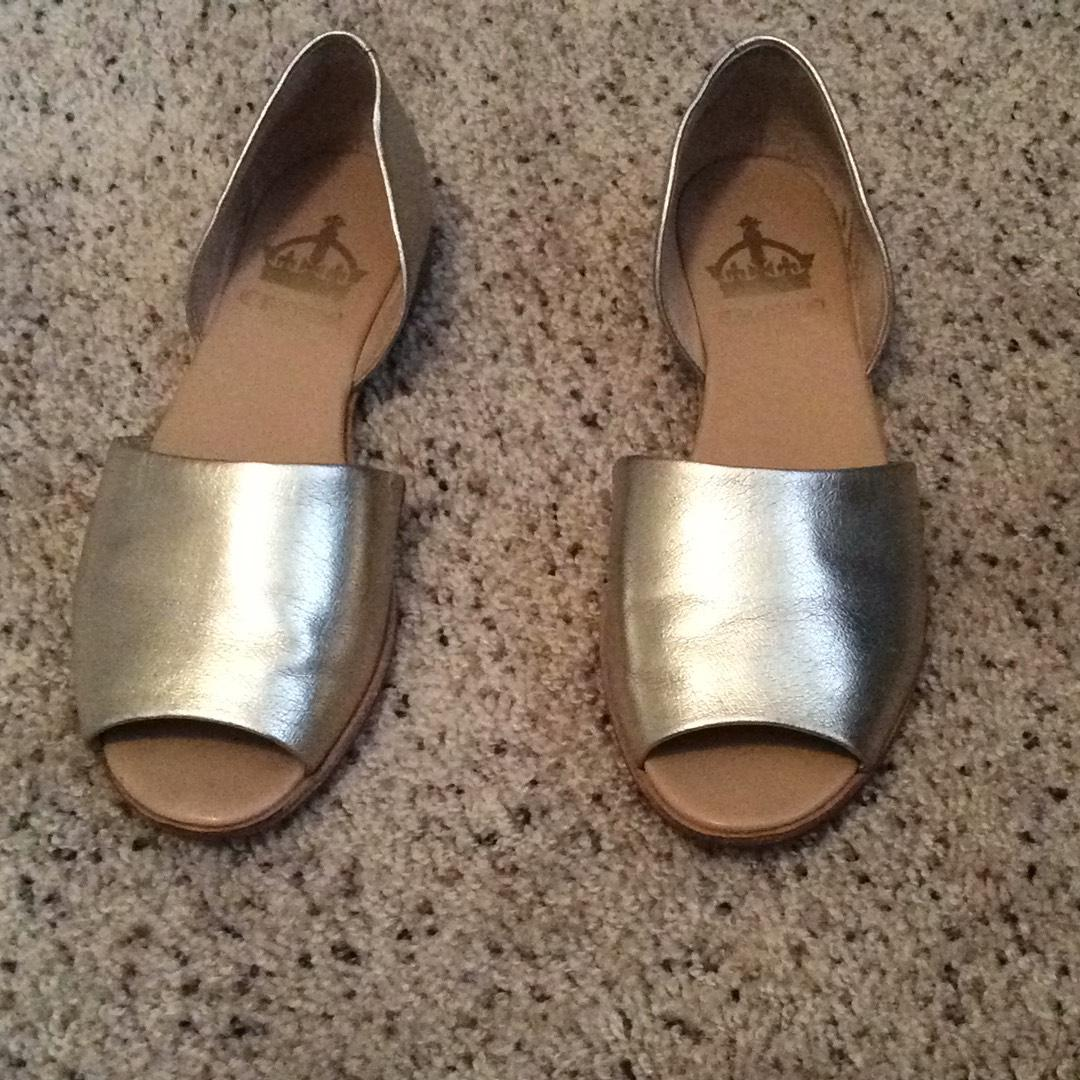 Crown Vintage Gold Flats