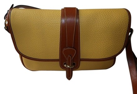 Preload https://item4.tradesy.com/images/dooney-and-bourke-awl-all-purse-yellowtan-trim-leather-shoulder-bag-518318-0-0.jpg?width=440&height=440