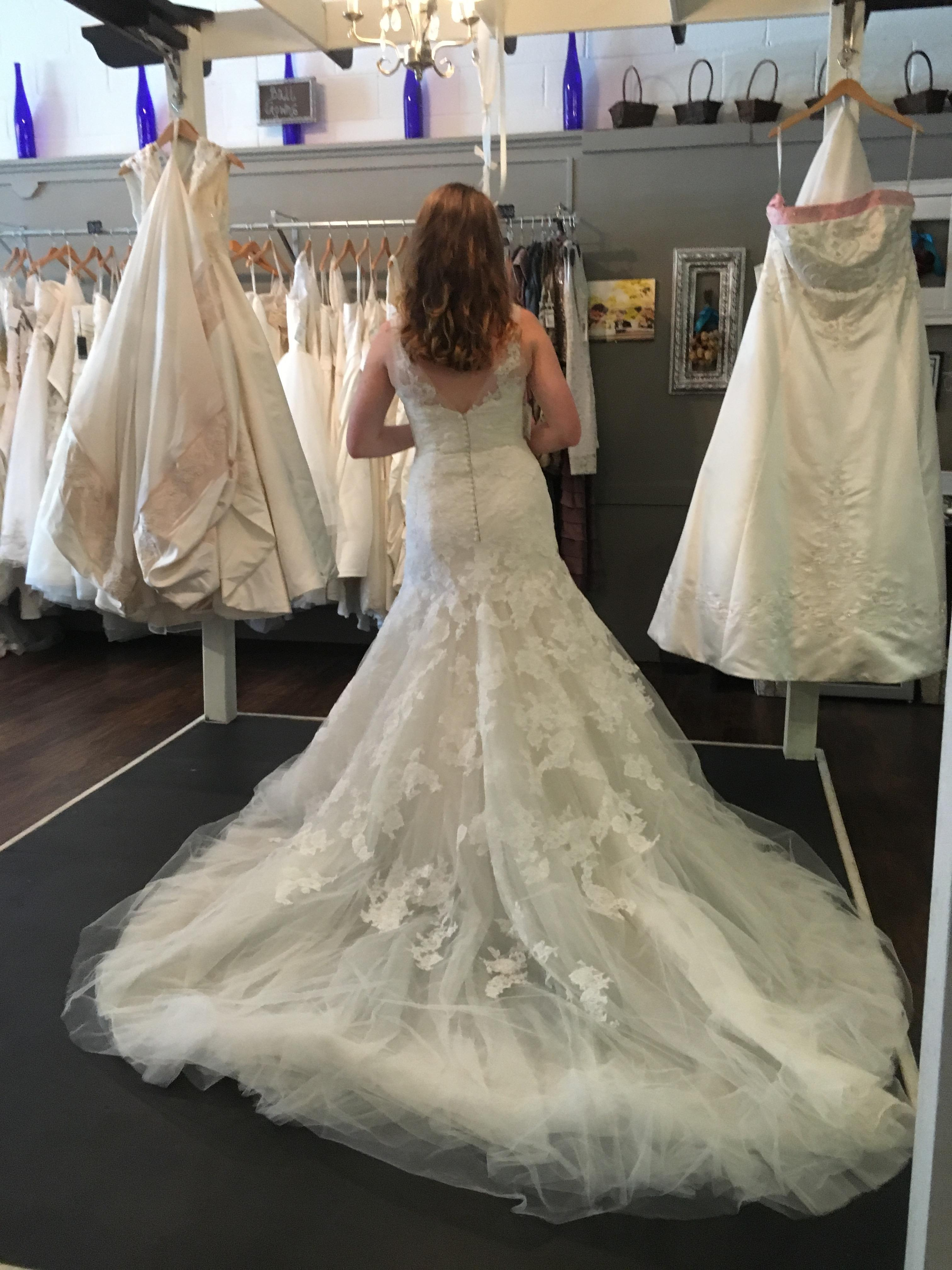 Enzoani White Blue By Style:cincinnati Traditional