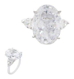 Fantasia By DeSerio White Gold Oval engagement ring