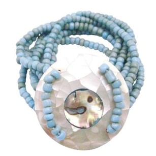 Classy Turquoise Beads Stretchable Bracelet Round Shell On The Wrist
