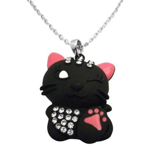 Smart Cunning Cat Pendant Very Naughty Stylish Cat Pendant Necklace