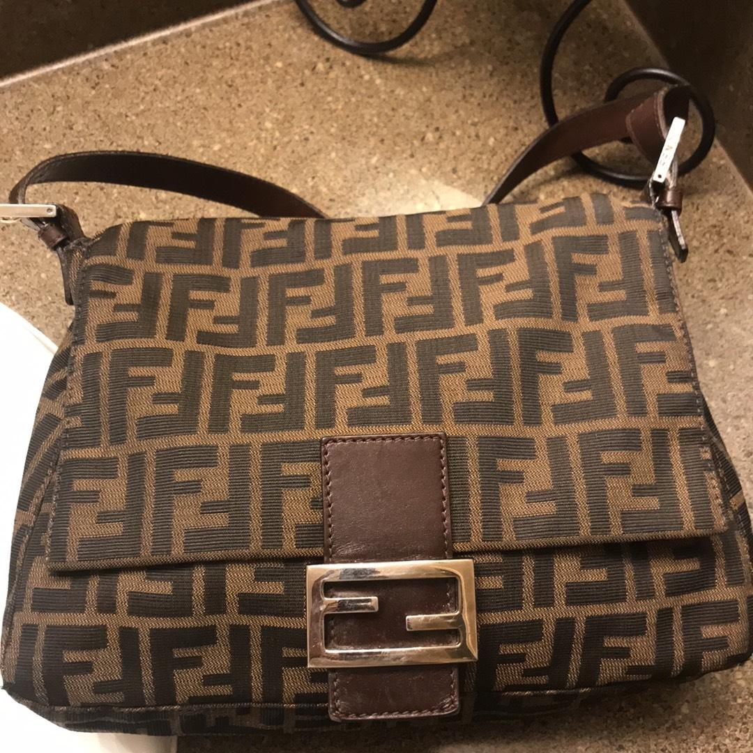e8d16c3d48e3 get fendi canvas bag on rollers 1713a 8da74