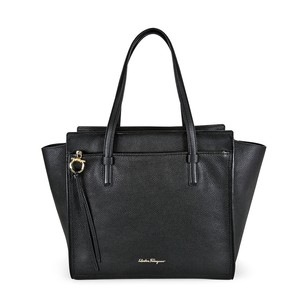 Salvatore Ferragamo Ferragamo 21-f215 Tote in Black