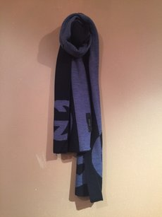 Gucci Gucci brand new 100% Wool Scarf