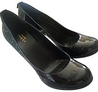 Gucci Patent Leather Bargain Black Pumps