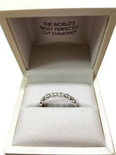 Hearts on Fire Hearts on Fire Lorelei Floral Platinum Diamond Band