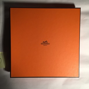 Hermès 11) Herms LARGE SQUARE gift box for PLATE or DISHES