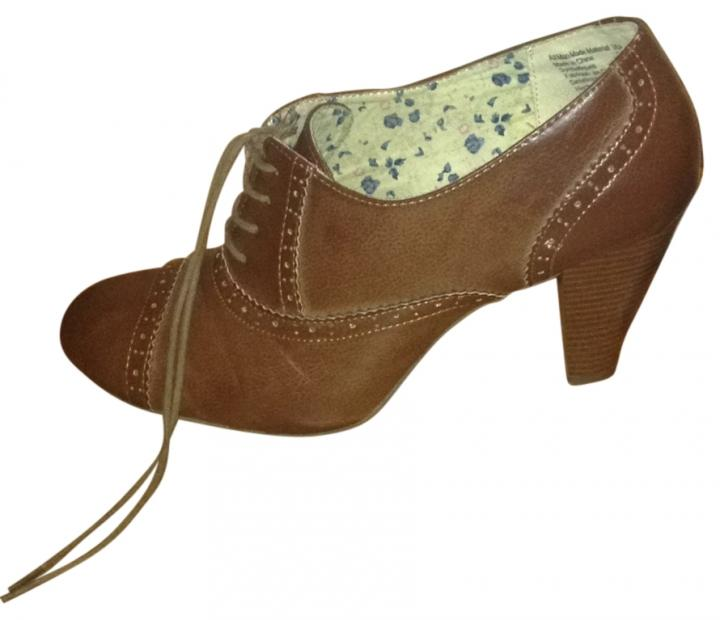 payless brown boots size 10 8 payless boots