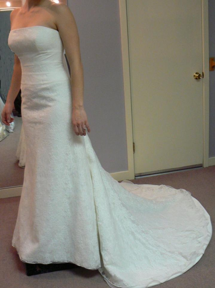 2 Be Bride Classic Ivory Lace With Twin Empire Bands Wedding Dress