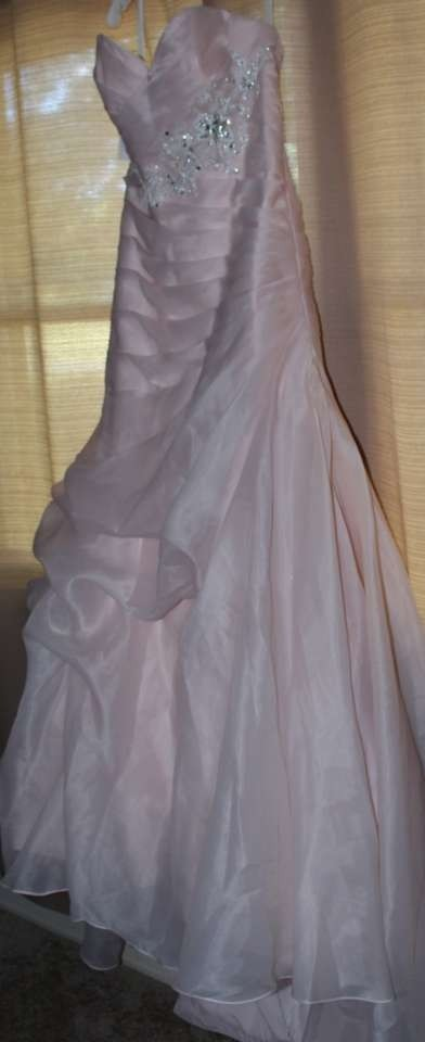 Alfred angelo sleeping beauty wedding dress tradesy weddings for Sleeping beauty wedding dress