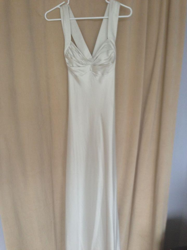 calvin klein wedding dresses calvin klein wedding dress tradesy weddings 2391