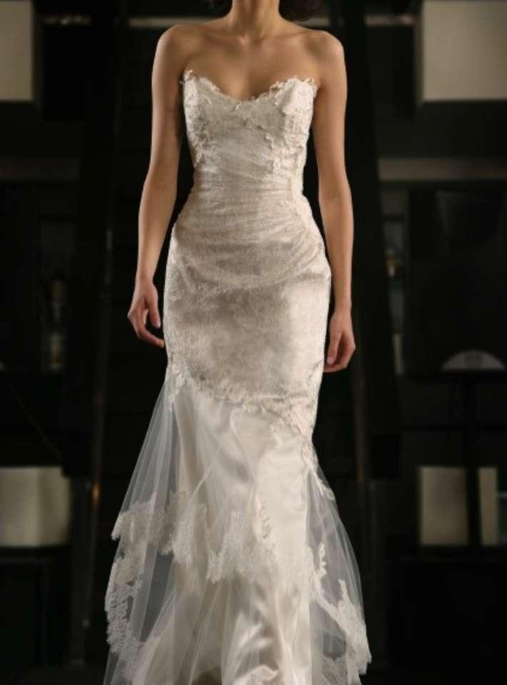 Cymbeline paris fonia wedding dress tradesy weddings for Wedding dresses in paris france